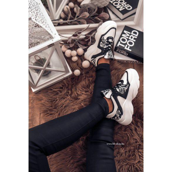 Fekete- fehér cipő
