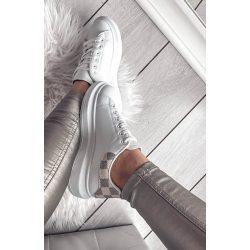 Fehér cipő bézs mintával