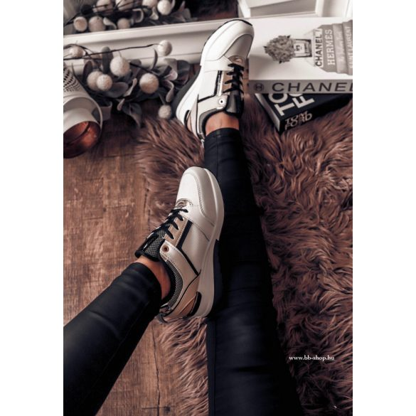 Fekete -fehér cipő
